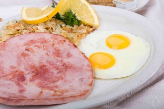 ham and eggs breakfast
