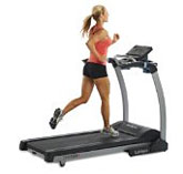 woman jogging on treadmill for cardio