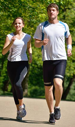 Running Exercise Program for Beginners - Couple Outdoors