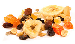 mix fruits and nuts to cut calories