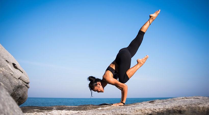 comfortable clothing for yoga tips